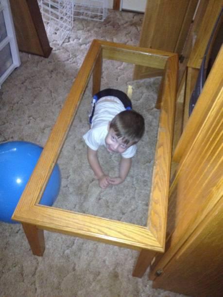 дечица се крият