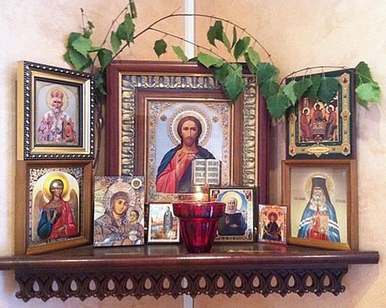 иконите у дома